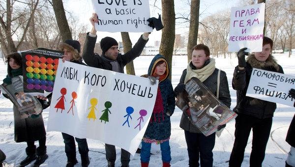 234-nina-en-la-escuela-disciplinada-por-la-ley-anti-gay-de-rusia