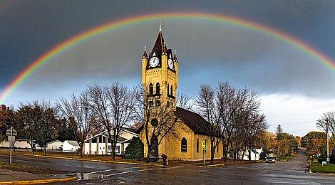 Regenbogen-Kirche-470