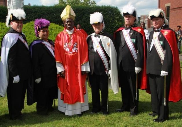 545-un-obispo-ugandes-invoca-el-genocidio-de-los-gays-durante-su-mensaje-de-pascua