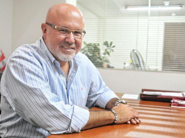 Carlos-Bruce