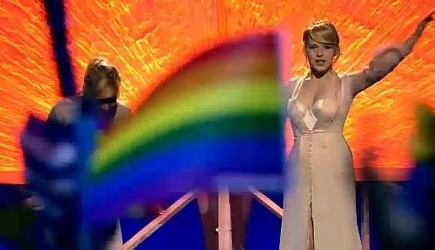 457-bandera-gay-se-cuela-en-la-actuacion-de-rusia-en-eurovision