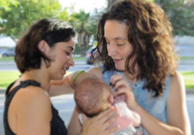 865-registro-civil-de-malaga-es-denunciado-por-discriminar-a-hija-de-lesbianas