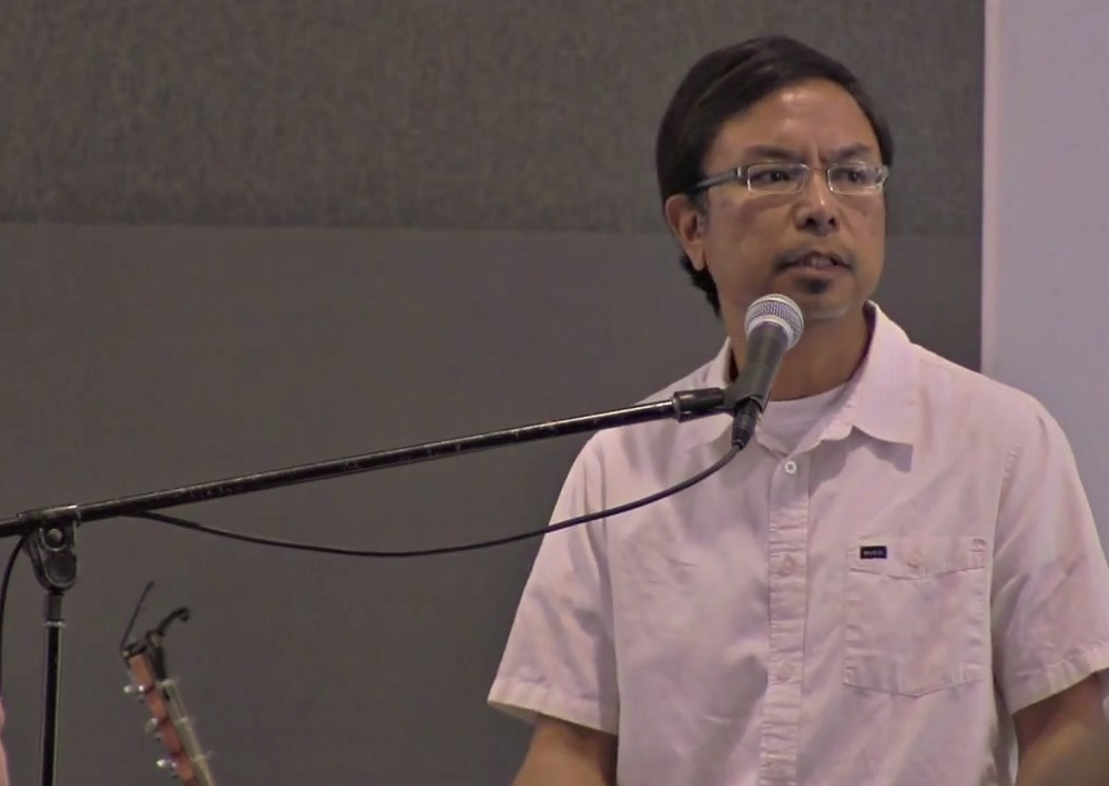 new-heart-community-church-pastor-danny-cortez-address-his-congregation-on-february-9-2014-about-why-he-changed-his-position-on-homosexuality