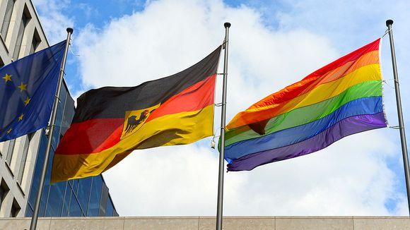 regenbogenflagge-540x304