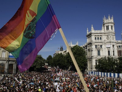 o-CAMBIOS-ORGULLO-GAY-MADRID-facebook-400x300