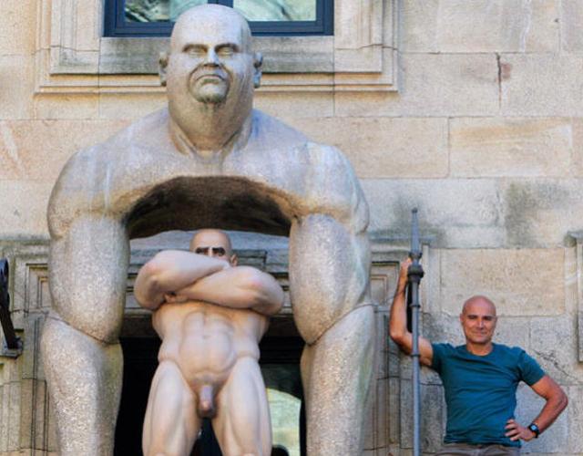 esculturas-hombres-desnudos-santiago