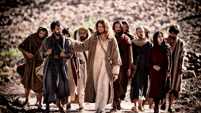 Scene 07/53 Exterior Galilee Riverside; Jesus (DIOGO MORCALDO) is going to die and tells Peter (DARWIN SHAW) and the other disciples this not the end.