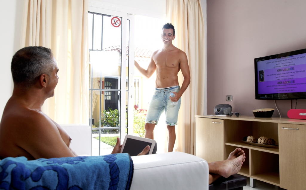 Gay flat share and house share