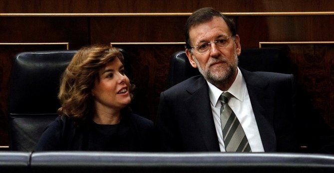 Soraya Sáenz De Santamaría Y Mariano Rajoy, En El Banco Azul Del Hemiciclo