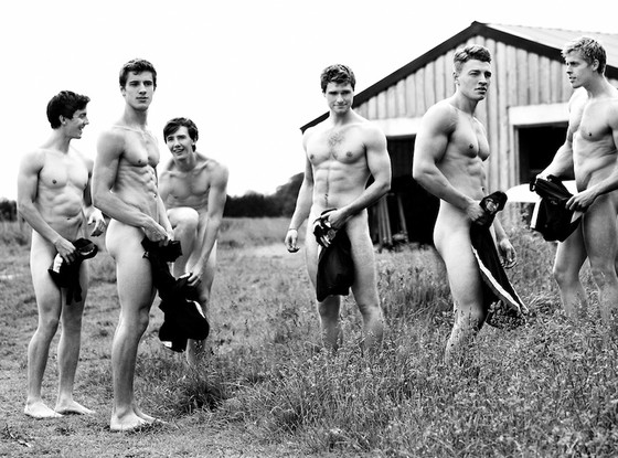 rs_560x415-131023115247-1024.Warwick-Naked-Rowers-4.jl_.102313_copy