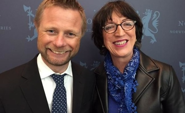 John Jeanette Solstad Remø (right) and Norway's Minister of Health, Bent Høie