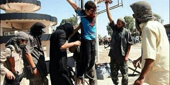 cristianos-crucificados-por-el-estado-islamico_560x280