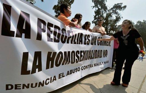 declaracion+cardenal+bertone+homosexualidad