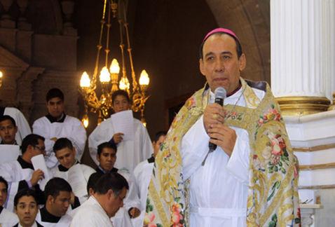 Arzobispo_de_Durango-Jose_Antonio_Fernandez_Hurtado-adopciones_igualitarias_MILIMA20150829_0127_31