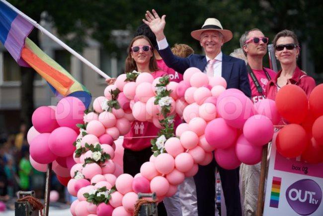 minister_gay_pride_amsterdam