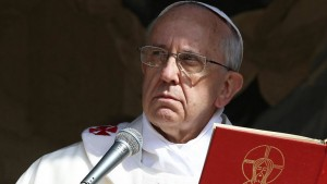 papa-francisco-serio-2