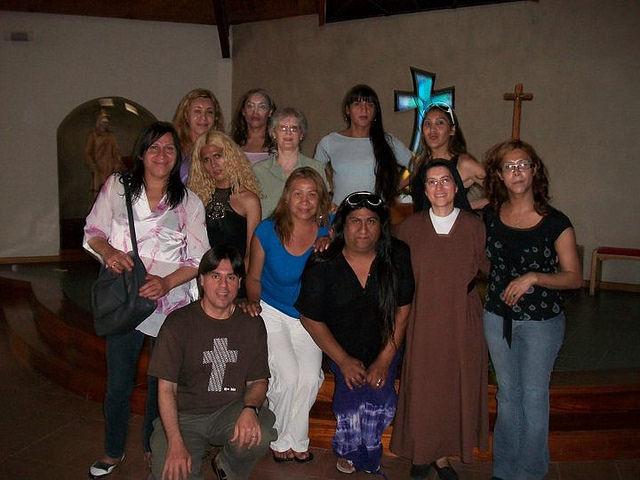 sor-monica-astorga-y-los-travestis-en-patagonia