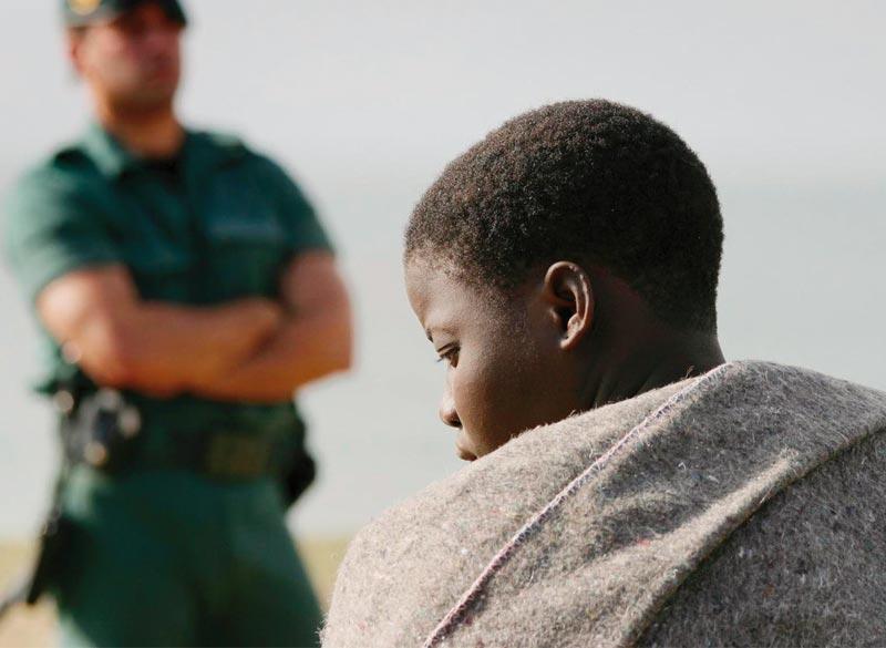 31227_migrante-guardia-civil