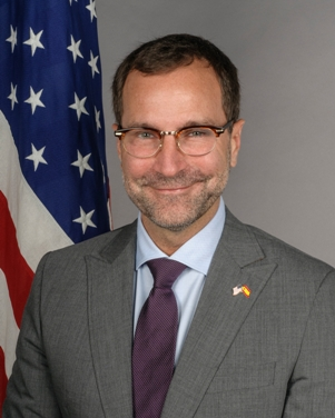 ambassador_costos_official-301x376