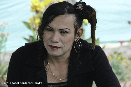 Transexual-guerrillero-03