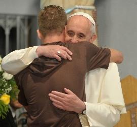 el-papa-francisco-con-reos-transexuales_270x250