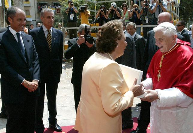 Valencia-Benedicto-XVI-Francisco-Camps_EDIIMA20140208_0031_13