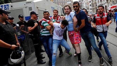 la-policia-turca-vuelve-a-reprimir-el-orgullo-gay-en-estambul