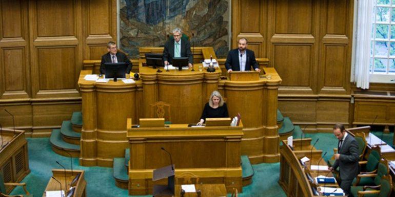 oriente20_630dinamarca-parlamento-transexuales-770x385