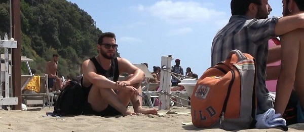omofobia-spiaggia-1-1200x520