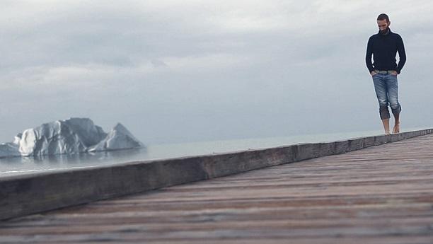 alex-bellini-intentara-sobrevvir-iceberg_808129201_596674_1020x574
