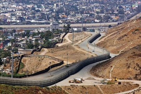 la-frontera-que-separa-mexico-de-arizona