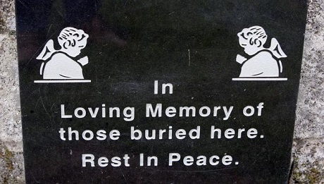 placa-conmemorativa-de-los-ninos