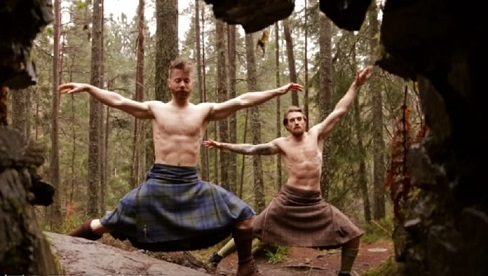 header-yoga-kilts-finlay-wilson-696x394