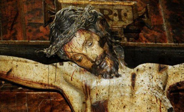 christ-en-croix-600x366