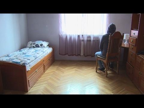780x580-youtube-qrg1qet8pak-testimonio-del-primer-homosexual-huido-de-chechenia-que-obtiene-asilo-en-francia