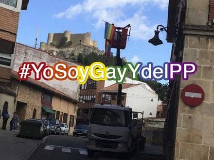 aguilar-de-campoo-alcaldesa-bandera-lgtb-grua-696x522