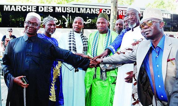 marcha-de-musulmanes-contra-el-terrorism-en-paris