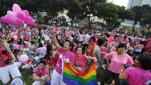 pink-dot-pride