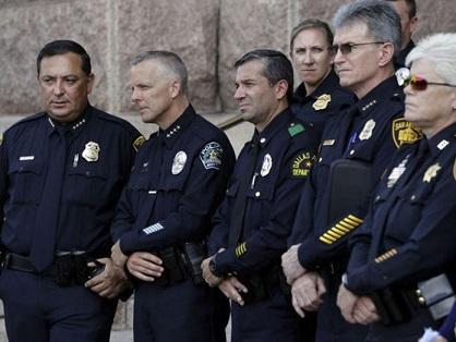 texas-lgtb-trans-lavabos-policia-696x522
