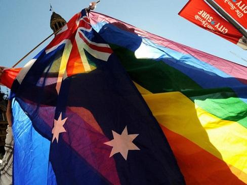 australia-matrimonio-gay-voto-postal-696x522