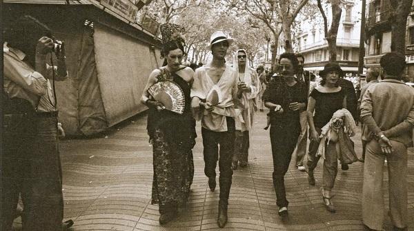 Camilo Nazario y Maite en la primera manifestacion gay 1977 Foto de Marta Sentis