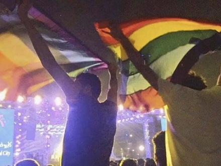 concierto-egipto-mashrou-leila-bandera-lgtb-detenidos-696x522