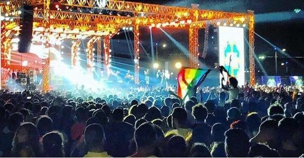 concierto-mashrou-leila-bandera-lgtb