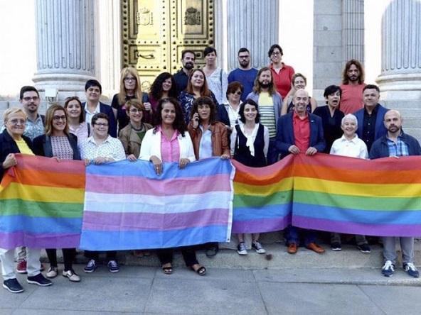 ley-igualdad-lgtbi-aprobada-pp-abstencion-696x522