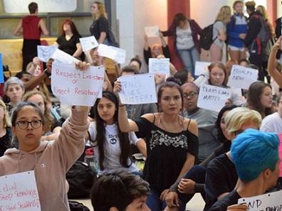 protesta-instituto-transfobia-696x522