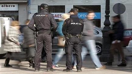 policia_valencia_gay