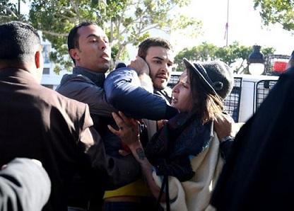 780x580-noticias-reprimen-protesta-en-tunez