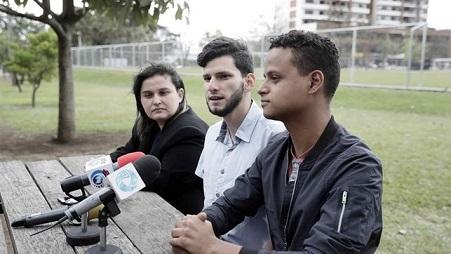 pareja-homosexual-costa-rica-prohibicion_ediima20180120_0012_4