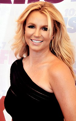 250px-britney_spears_2013_straighten_crop