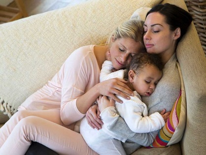 madres-lesbianas-696x522